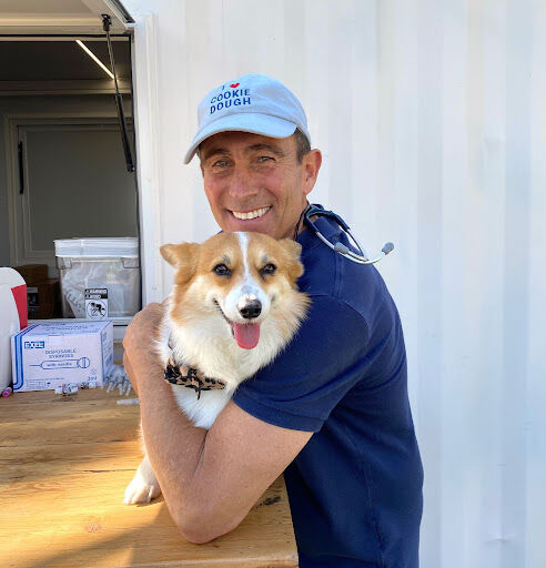 Airvet Chief Veterinary Officer Administered Leptospirosis Vaccines at DOG PPL in LA